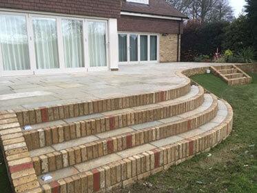 retaining walls bricklayers